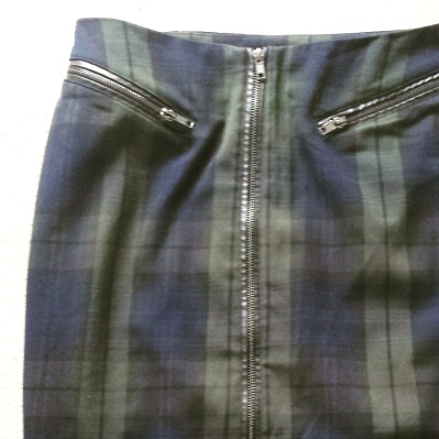 H&M tartan patterned pencil skirt
